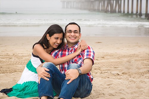 Venice Beach Engagement Photographer - Couple Sitting