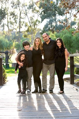Los Angeles Family Photographer -  Five standing in the Park